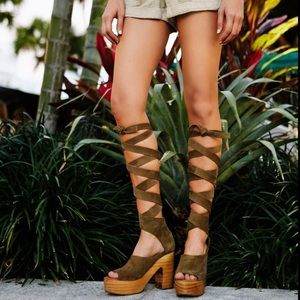 Free People Wrap Around Taupe Clog Platform Heel